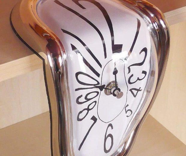 Dali Uhr